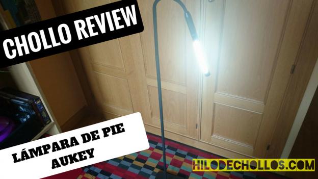 Interesante lámpara de pie para el salón de Aukey, control táctil